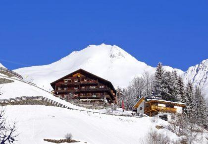 01_berggasthaus_trojen_winter_defereggen_tirol_urlaub
